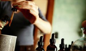 Камфорное масло — применение при лактации для ее снижения и прекращения грудного вскармливания