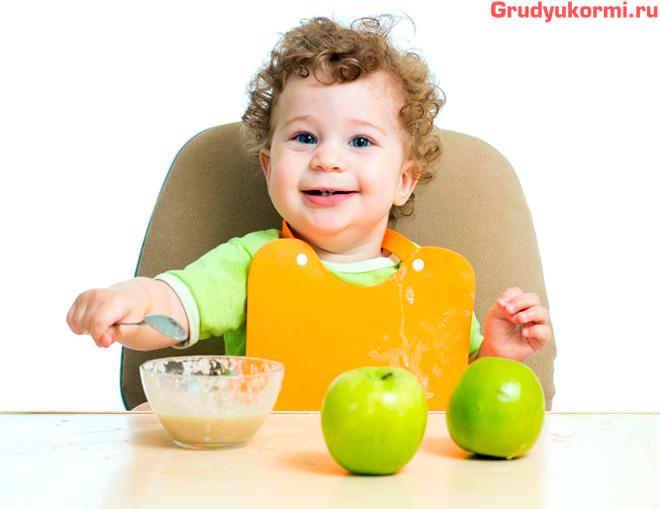фруктовое пюре из зеленых яблок