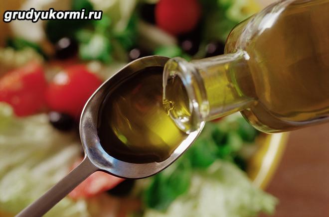 Добавление льняного масла в овощной салат